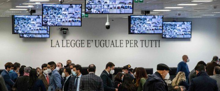 ایتالیا بزرگترین آزمایش علیه مافیای چند دهه گذشته را آغاز می کند