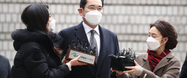 جی جی لی ، رئیس امپراتوری کره جنوبی سامسونگ ، به زندان فرستاده شده است